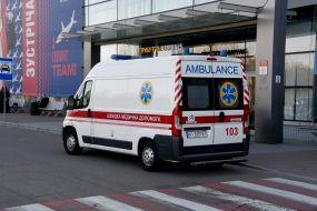 """Автомобіль швидкої допомоги біля аеропорту """"Бориспіль"""""""
