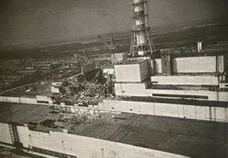 Анатолій Расказов єдиний фотограф, який зняв з гелікоптера зруйнований вибухом 4-й блок ЧАЕС. Прип`ять, червень 1986 р.