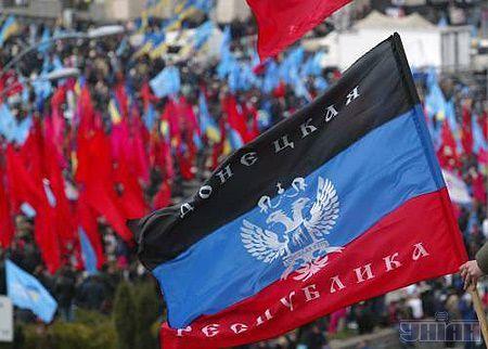 У Нашій Україні вважають, що таким чином коаліція відреагувала на появу  оранжевих стрічок в районі Європейської площі. Фото УНІАН