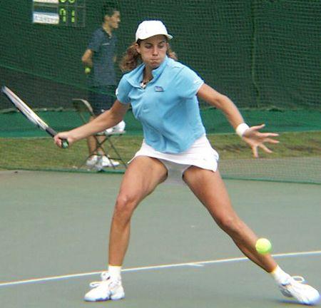 теннисистки в трусах и без