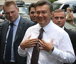 Віктор Янукович під час робочої поїздки українською столицею з метою ознайомлення з роботою організацій і підприємств. Київ, 3 вересня