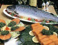 Рыба жареная с луком.  Рыбу очистить...
