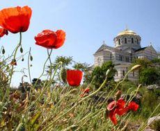 Вид на Володимирський собор на території заповідника Херсонес Таврійський у Севастополі