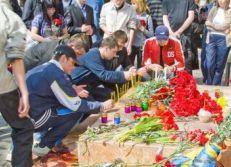 Студенти університету на місці вбивства