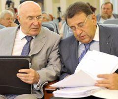 Председатель НБУ Стельмах и его заместитель  Шаповалов на совещании по вопросам финансового состояния Нафтогаза. Киев, 11 июня