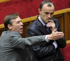 Сергей Соболев и Андрей Кожемякин во время заседания ВР. Киев, 14 апреля