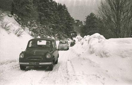 Первые испытания автомобилей «ЗАЗ-965» в зимних условиях, в Ялте (Крым), в январе 1959 г.