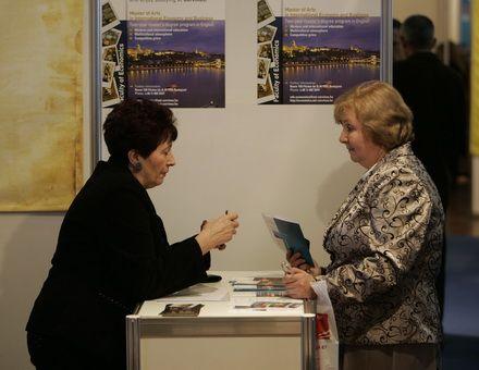 Освітою в Україні цікавиться не тільки молодь