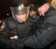 Сьогодні вночі із застосуванням спецпідрозділів МВС було розібрано наметове містечко підприємців на Майдані
