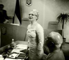Юлия Тимошенко со своим мужем Александром, которого Печерский районный суд Киева допустил к делу в качестве защитника