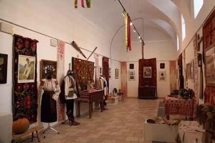 Виставка «Українське весілля» у Національному центрі народної культури «Музей Івана Гончара»