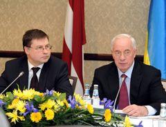 Азаров и Домбровскис