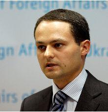 Дикусаров рассказал, что МИД знает о пропавшей