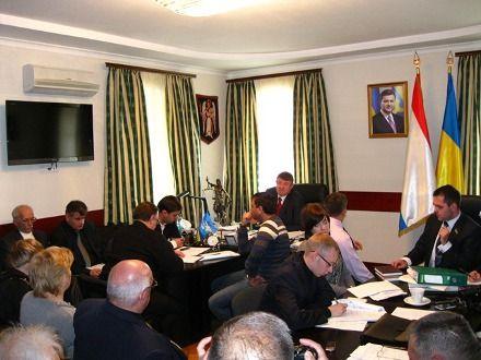 Сессия Алупкинского горсовета, фото ipc-bigyalta.org