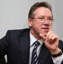 По словам Прасолова, в Украине произошло пятикратное сокращение количества налоговых платежей и сборов