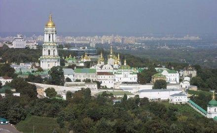 Церкви в Украине верять более всего / Фото: gidtravel.com