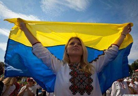 Государственный Флаг Украины сегодня будут поднимать по всей стране