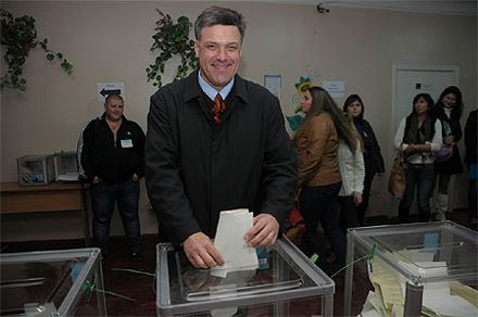 Svoboda won at foreign electoral district. Photo from Ukrainska Pravda