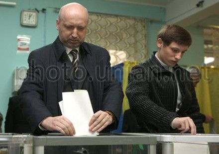 Oleksandr Turchynov came with his son