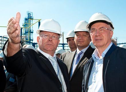 Азаров открывает газовый комплекс на Харьковщине, фото с сайта dozor.kharkov.ua