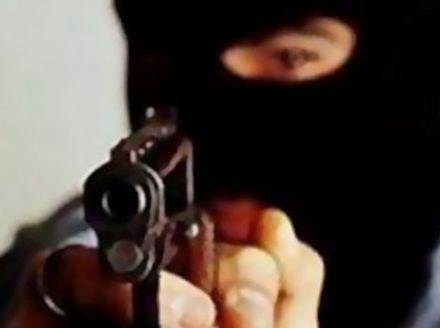 Пограбування ювелірної крамниц, нападник