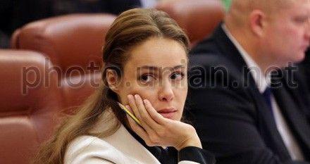 С Королевской будет спрос, как с других министров, обещает Азаров