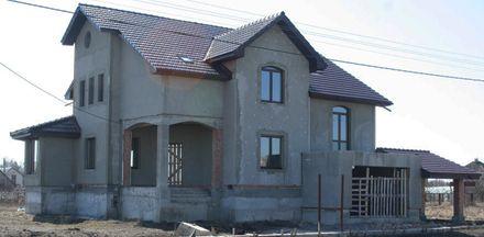 В пригороде Киева стоимость домов в 2012 году снизилась на 10,5%  / Фото: Сaravan-trans.com