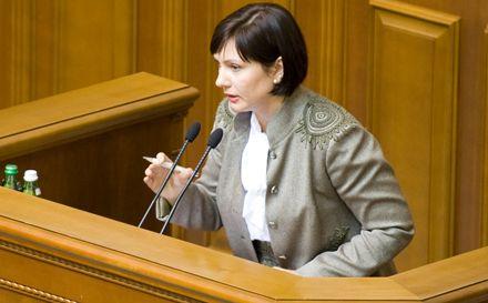 Елена Бондаренко заинтересовалась, почему оппозиция заявила о драке с «Беркутом» раньше, чем она произошла / Фото пресс-службы нардепа