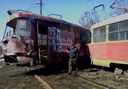 У Харові трамвай зійшов з колії