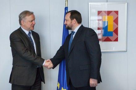 Арбузов пригласил Олли Рена посетить Украину