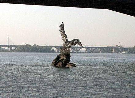 скульптура птицы / Фото: fashionpark.kiev.ua