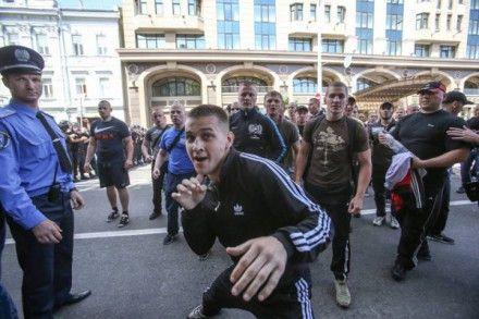 Титушко предложил журналистке спортклуб / Фото: Власть Соделя