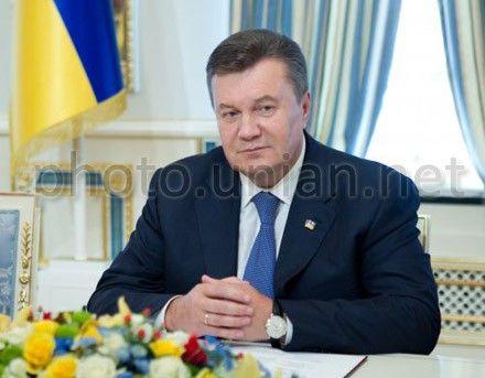 Янукович заверил, что Украина не меняет курс