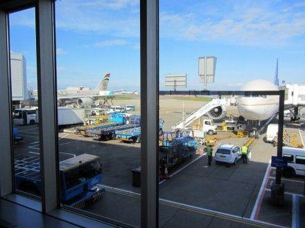 В лондонском аэропорту Хитроу из-за возгорания самолета закрыты все полосы / Фото : theuk2012.wordpress.com
