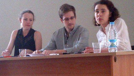 Едвард Сноуден під час зустрічі з правозахисниками в Шереметьєво