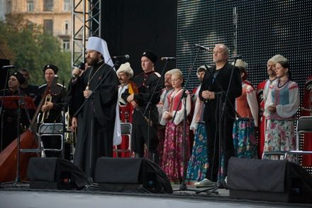 Митрополит Иларион передал приветствие от Патриарха Кирилла