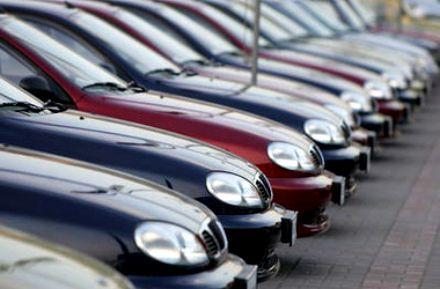 Продажи авто сократились / Фото : dni.com.ua