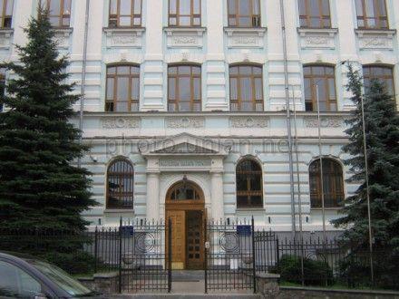Янукович подписал изменения в Конституцию в части расширения полномочий Счетной палаты / Фото : Вікіпедія