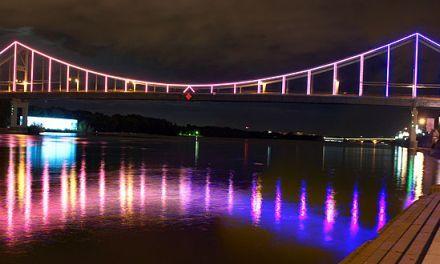 Пішохідний міст сяятиме усіма кольорами веселки, фото з офіційного сайту КМДА