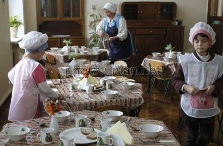 Киев планирует перейти на централизованную закупку и поставку продуктов во все детсады города