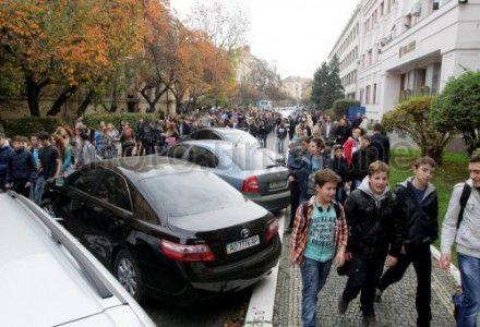 Пикет школьников в Ужгороде