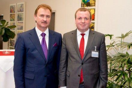 Глава Киевгорадминистрации Попов (слева) и Корнелиус Граниг (справа) планируют превратить Киев в «транспортную» Вену