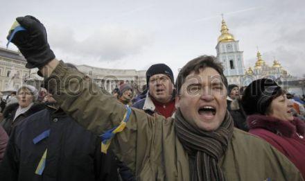 1 декабря на 12:00 запланировано начало народного вече протестующих в Киеве возле памятника Тараса Шевченко