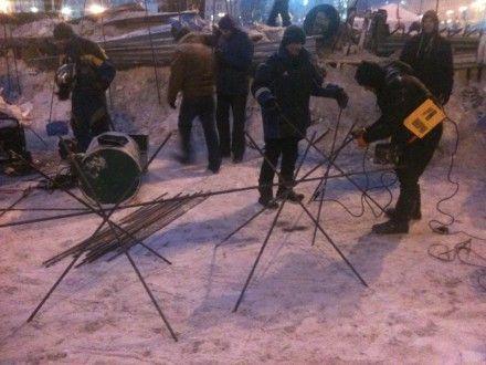 Пока Азаров обещает, Майдан готовится к очередному штурму / Фото: Vadym Onyschenko, Фейсбук