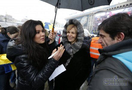 Народное вече 12 января - Руслана и Ольга Богомолец