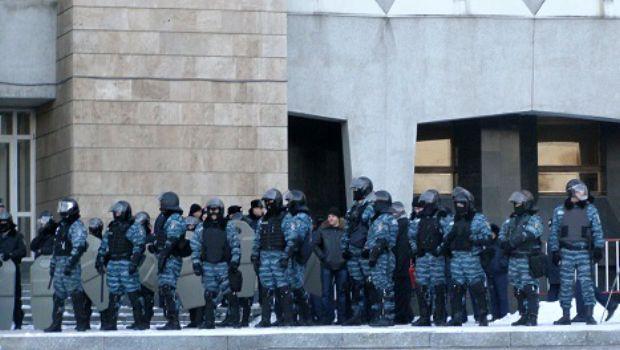 Силовики блокируют доступ к ОГА / dnepr.comments.ua