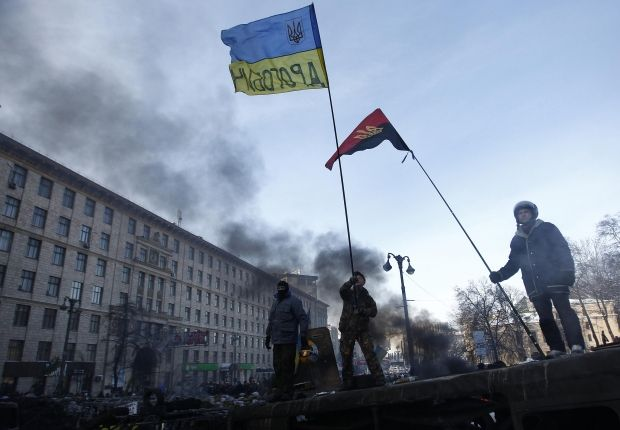 Protesters to restore partially traffic at Hrushevskogo Street  / REUTERS