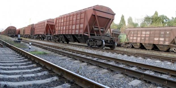 Железные дороги Украины с начала 2014 года погрузили более 2,1 млн тонн зерна