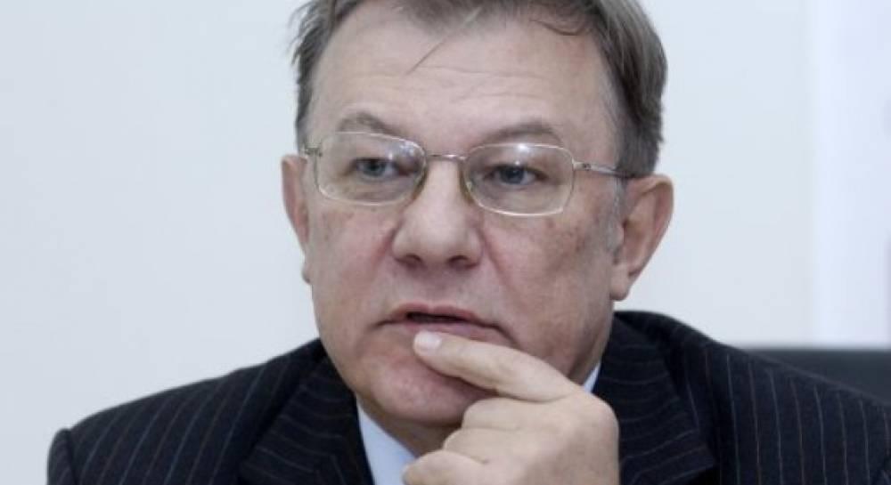 Економіст Володимир Лановий: Уряд Азарова залишив економіку повністю  розваленою | УНІАН