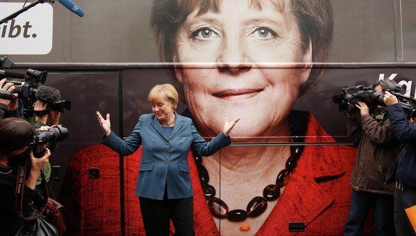 Меркель считает, что новая власть должна позаботиться о сохранении территориальной целостности Украины / REUTERS